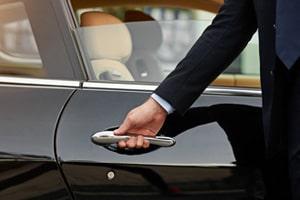 24-seven-cars-chauffeur-min